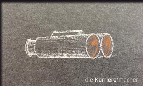 """Kreidezeichnung auf Schiefertafel: Fernglas; Thema: """"Potentiale entdecken"""""""
