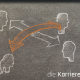 Kreidezeichnung auf Schiefer von 4 Köpfen mit gekreuzten Pfeilen