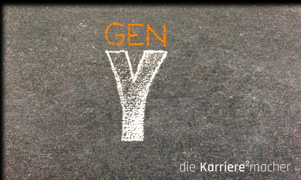 """Kreidezeichnung auf Schiefertafel: Text """"Gen Y"""""""