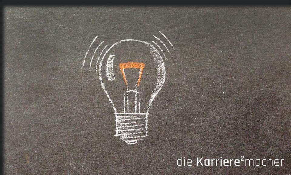 Kreidezeichnung auf Schiefertafel: Glühbirne; Inspiration