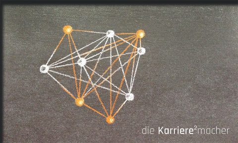 Kreidezeichnung auf Schiefertafel: Netzwerk als Symbol fürs Networking