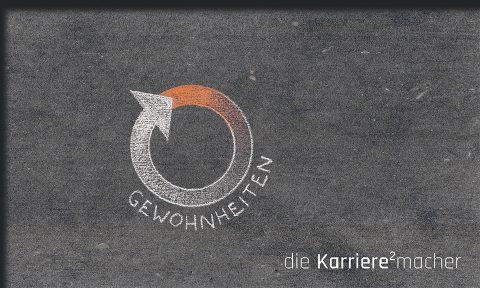 """Kreidezeichnung auf Schiefertafel: zirkulierender Kreis mit Wort """"Gewohnheiten"""""""
